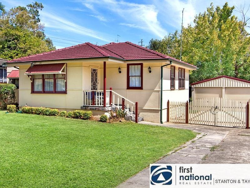 4 Butler Crescent, South Penrith, NSW 2750