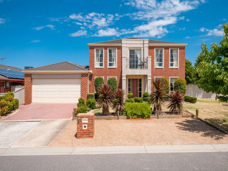 37 Waterford Ave, Craigieburn, Vic 3064