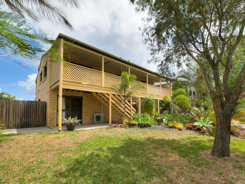 79 Kingfisher Parade, Toogoom, Qld 4655