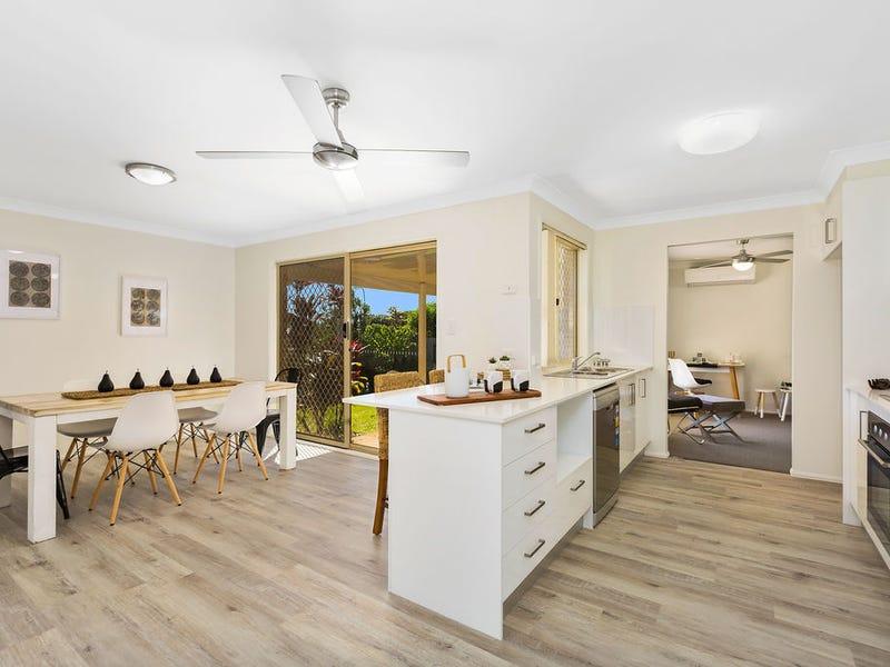 10 Manuka Road, Banora Point, NSW 2486