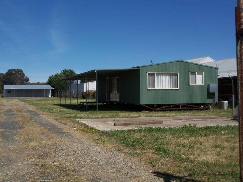 33 Yass Road, Cootamundra, NSW 2590