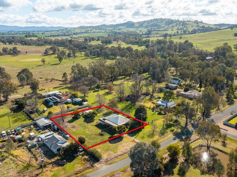 16 Hay Street, Woomargama, NSW 2644