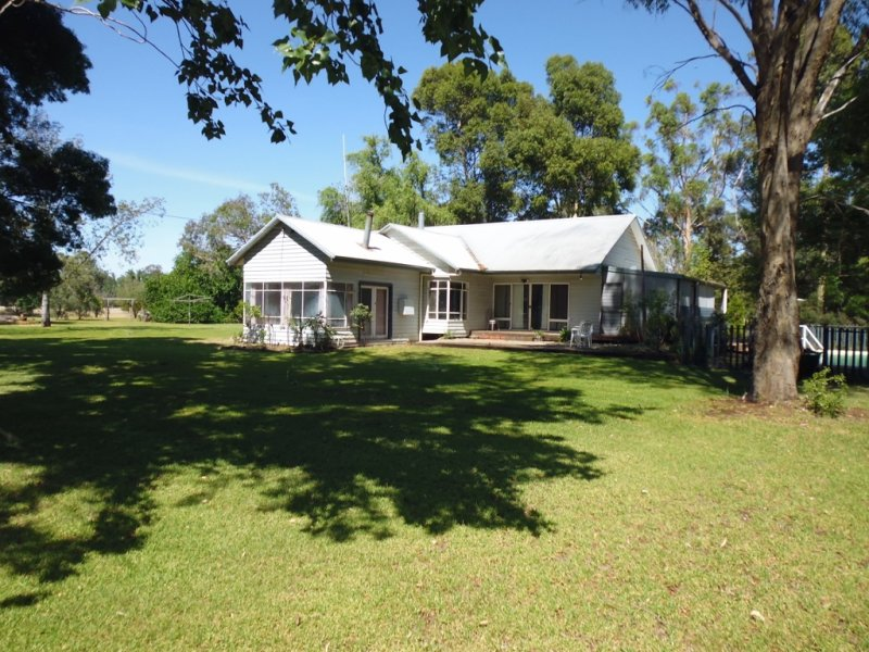 677 Barnes Road, Finley, NSW 2713