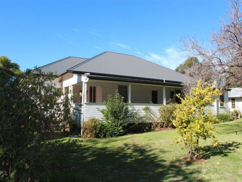 ". ""Kelverton"", Merriwa Rd, Willow Tree, NSW 2339"