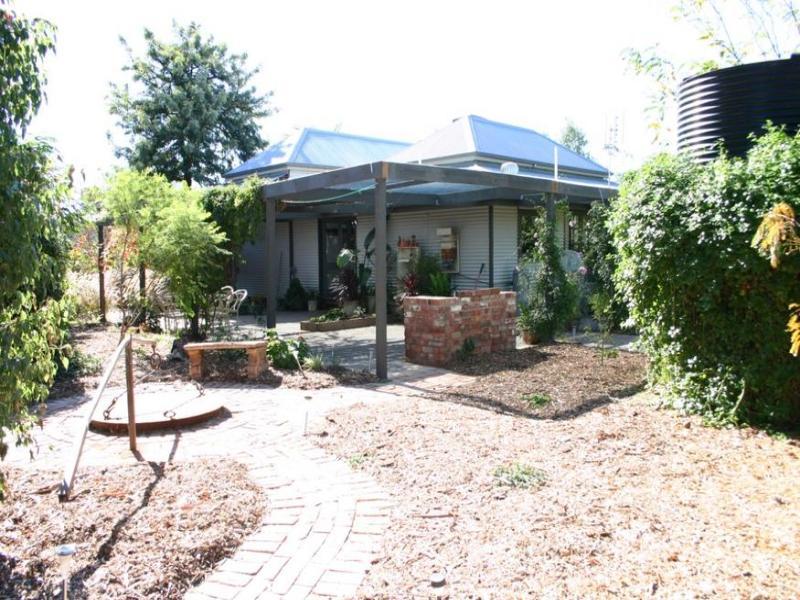 24-26 Gladstone Avenue, Ultima, Vic 3544