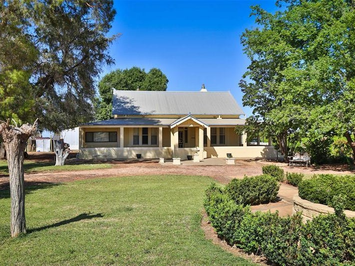 105 McSwains Road, Birdwoodton, Vic 3505