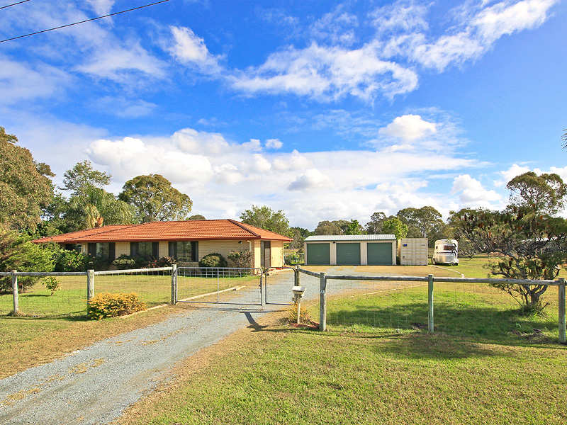 39 Bellay Road, Beachmere, Qld 4510