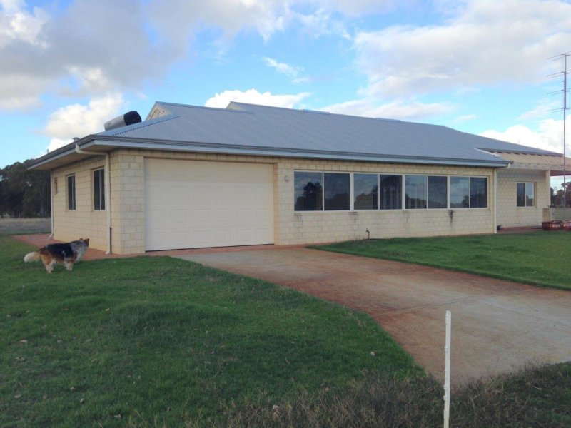 702 Mayfield Road, Waroona, WA 6215