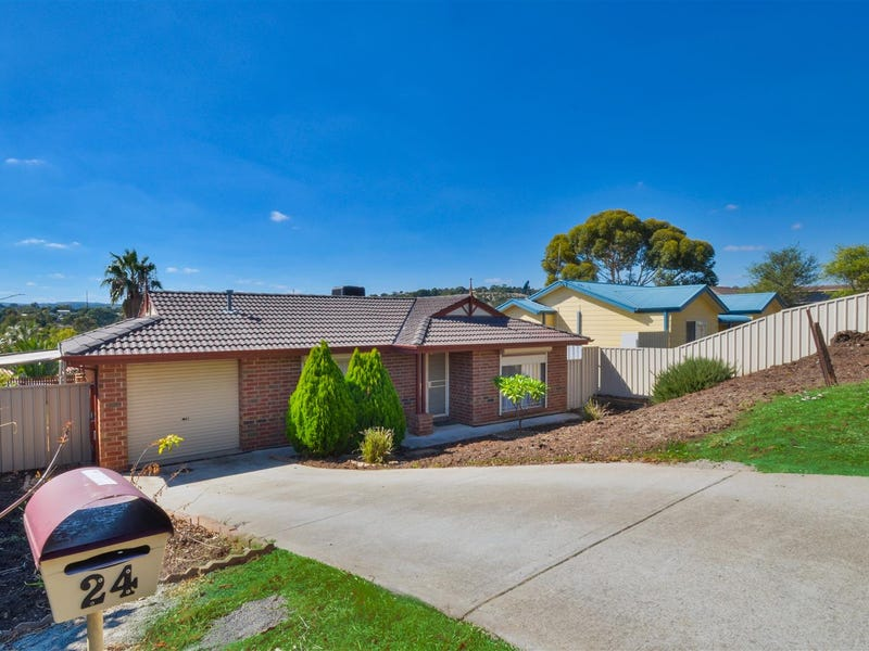 24 Featherstone Drive, Huntfield Heights, SA 5163