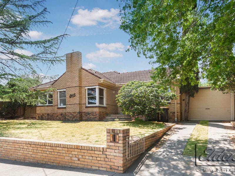 4 Michael Street, Kennington, Vic 3550
