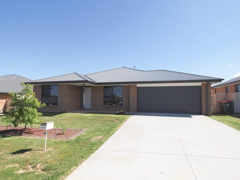 26 Molloy Drive, Orange, NSW 2800