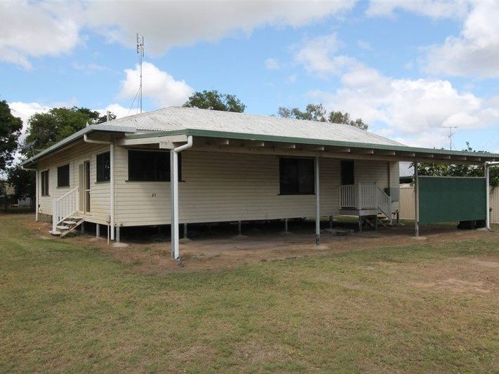 21 Nelson St, Clare, Qld 4807