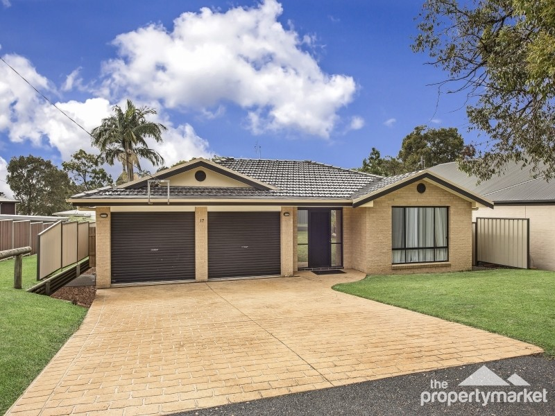 17 Birrabang Avenue, Summerland Point, NSW 2259