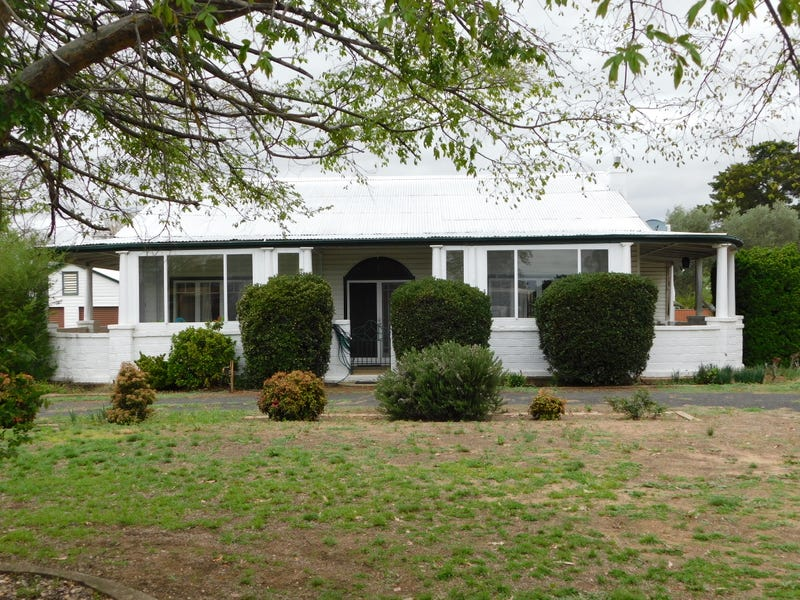 2-4 Myall St, Binnaway, NSW 2395