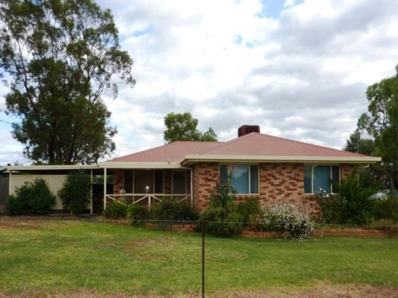 8 Dubbo Street, Brocklehurst, NSW 2830