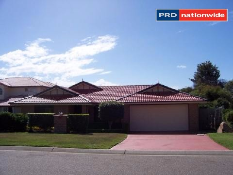 18 Carpenter Way, Sandstone Point, Qld 4511