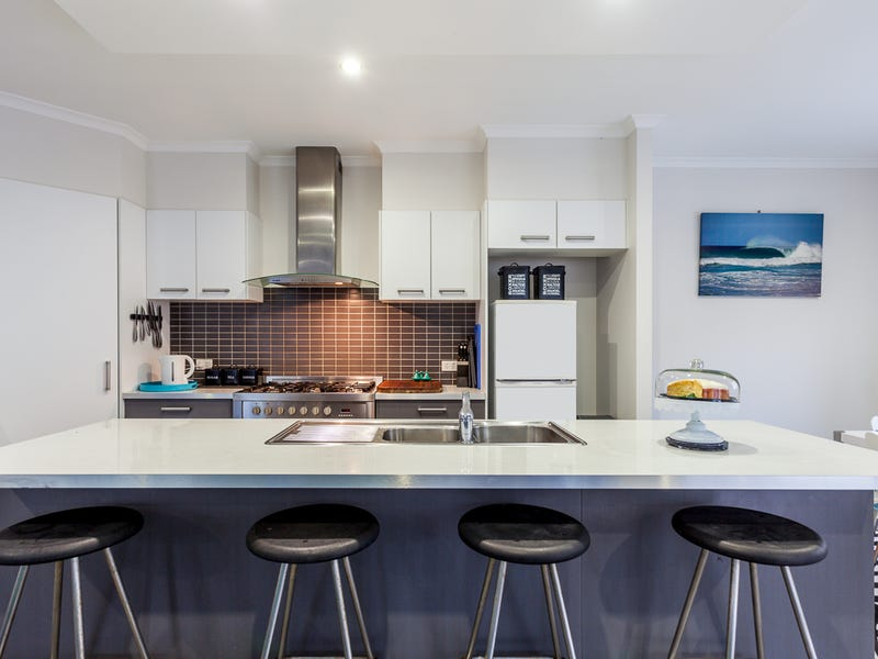 22 Crows Ash Place, Kuluin, Qld 4558