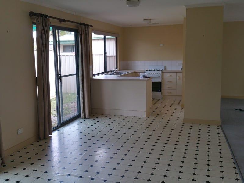 18 Finniss Street, Roxby Downs, SA 5725