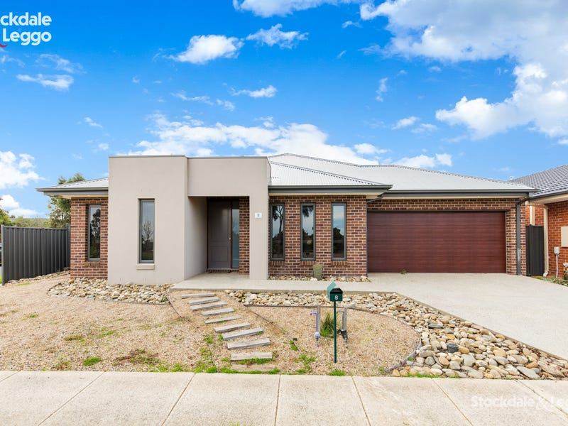 8 McHaffie Terrace, Manor Lakes, Vic 3024
