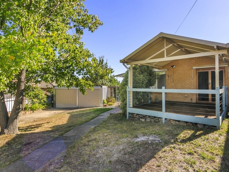 8 Laura Place, Queanbeyan, NSW 2620