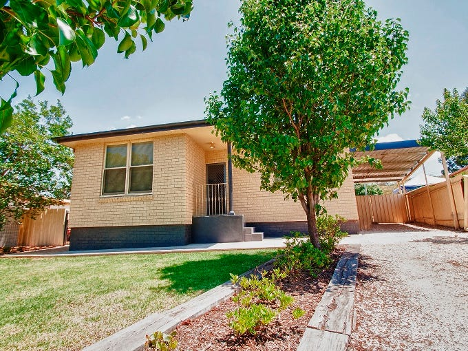 15 Cedar Crescent, Griffith, NSW 2680