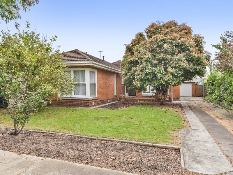 14 Finchaven Street, Herne Hill, Vic 3218
