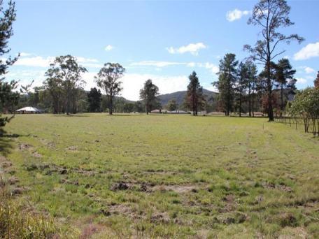 4 Happy Valley Road, Wallangarra, Qld 4383