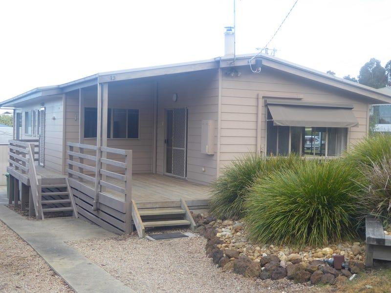 13 Bassett Road, Lakes Entrance, Vic 3909