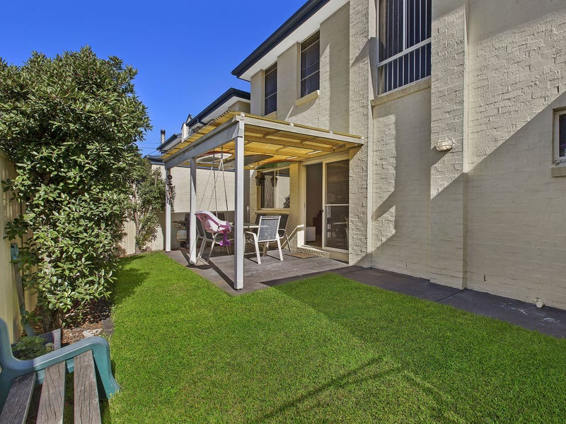 2/13 Benelong Street, The Entrance, NSW 2261
