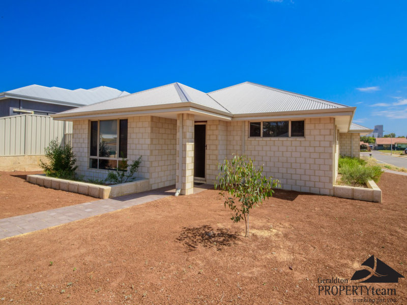 5 Stroud Street, Beachlands, WA 6530