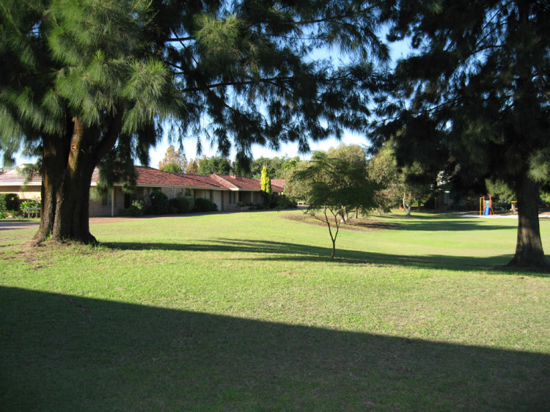 2 Theakston Green, Leeming, WA 6149