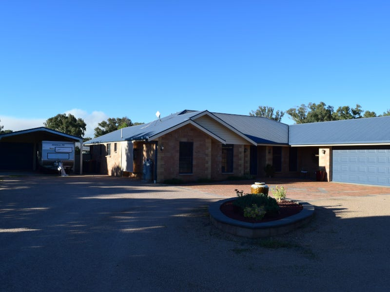 3 Light Horse Place, Parkes, NSW 2870
