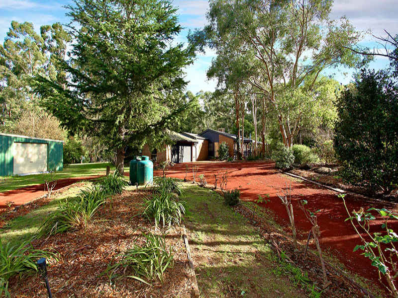 205 Hurstbridge-Arthurs Creek Rd, Hurstbridge, Vic 3099