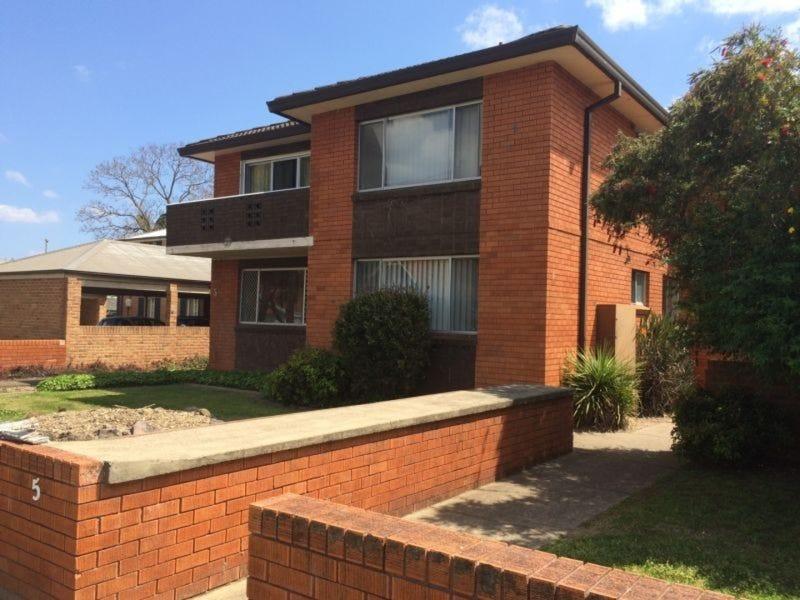 2/5 Paget Street, Richmond, NSW 2753