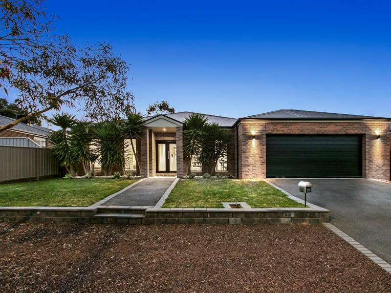 25 Londonderry Way, Epsom, Vic 3551