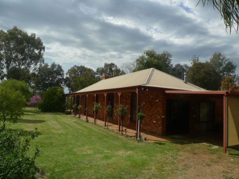 206 Tynan Road, Table Top, NSW 2640