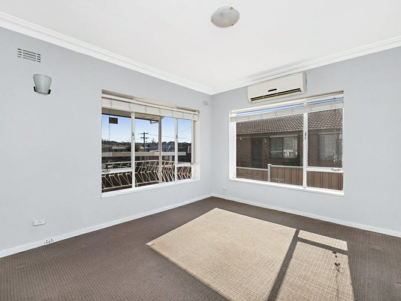 8 Charles Street, Queanbeyan, NSW 2620