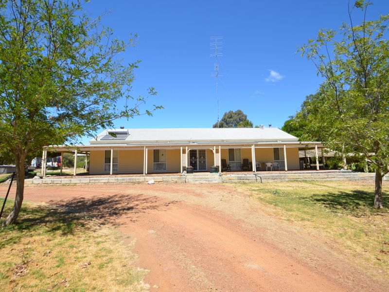 18 Smith Street, Cookernup, WA 6220