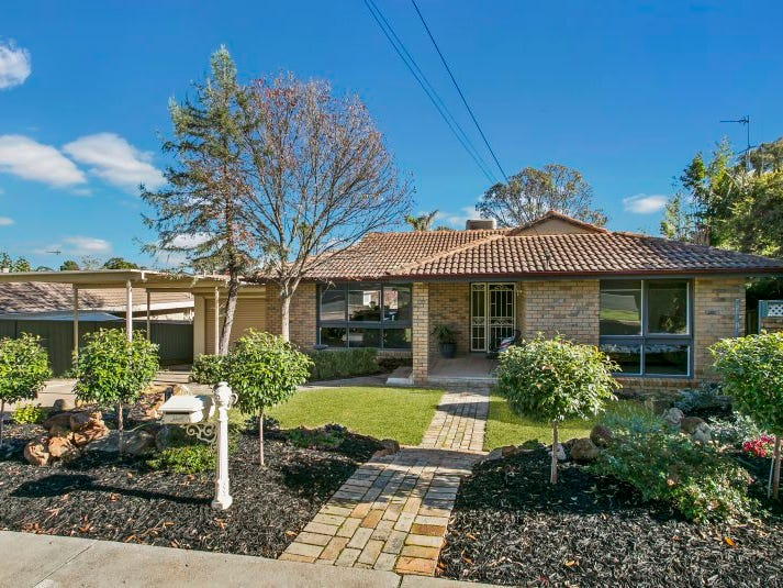 4 Albert Avenue, Strathdale, Vic 3550