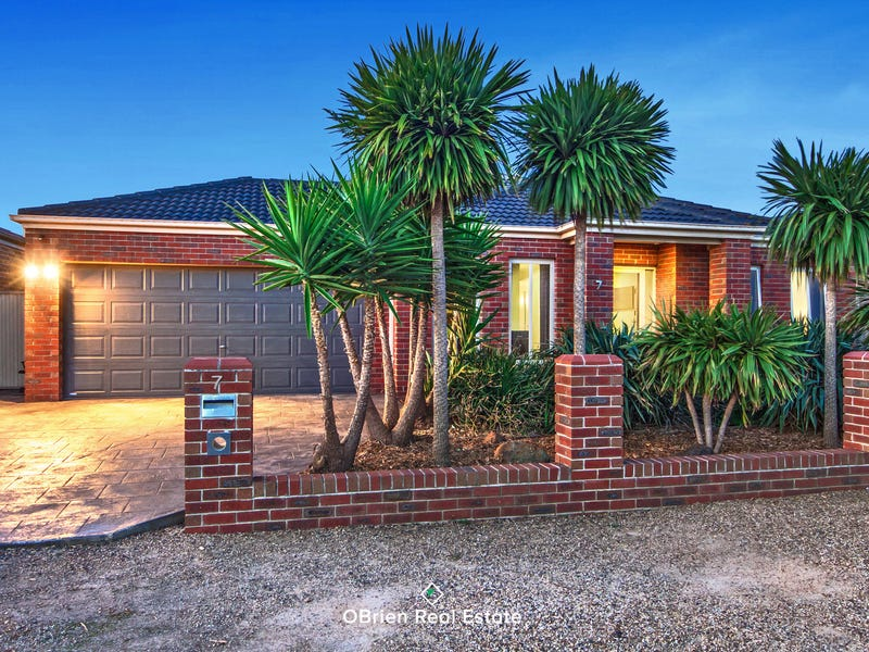 7 Nevis Place, Taylors Hill, Vic 3037
