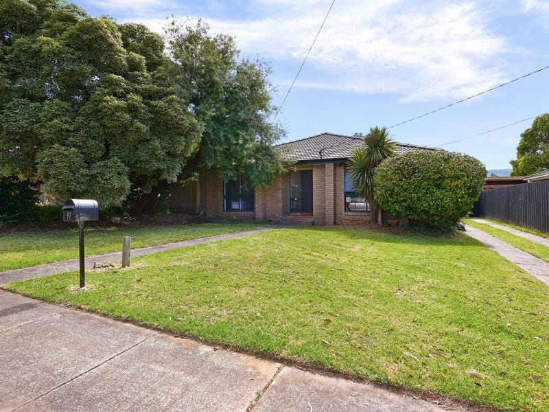 97 Cambden Park Parade, Ferntree Gully, Vic 3156