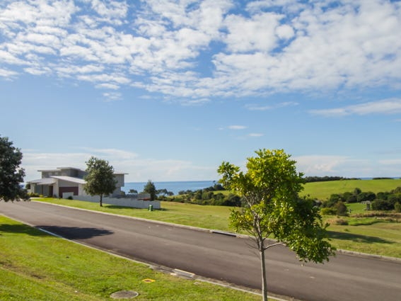 19 Torquay Circuit, Red Head, NSW 2430