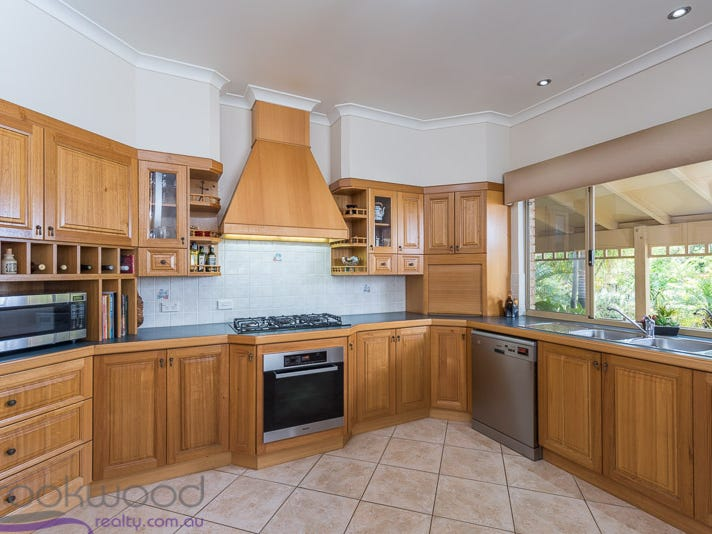 11 Newbury Close, Henley Brook, WA 6055