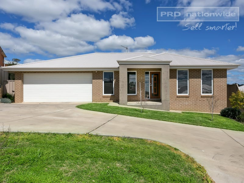 3/2-3 Larra Place, Bourkelands, NSW 2650