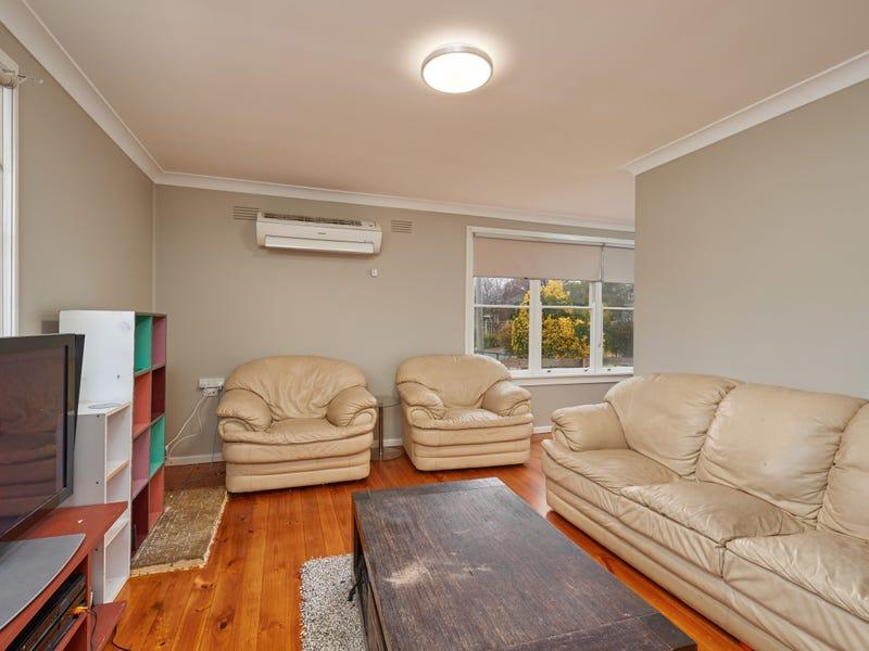 4 Moani Place, Kooringal, NSW 2650