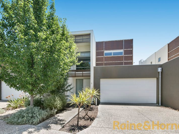 5/1-5 The Close, Caroline Springs, Vic 3023