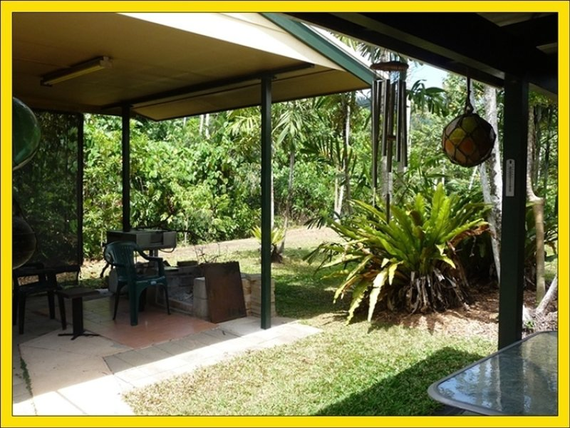 32 Bingil Bay Road, Bingil Bay, Qld 4852