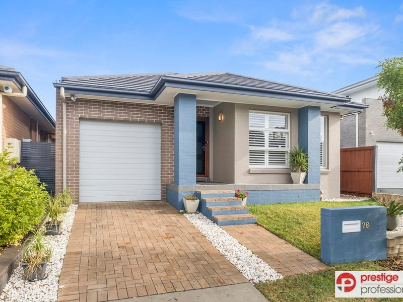 28 Bushview Lane, Moorebank, NSW 2170