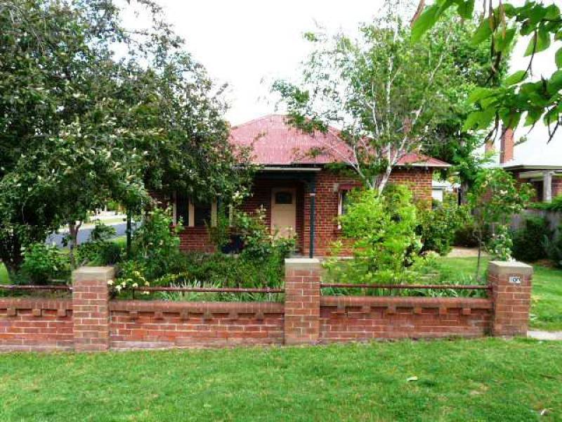 100 Hope Street, Bathurst, NSW 2795