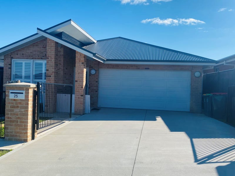 25 William Maker Drive, Orange, NSW 2800